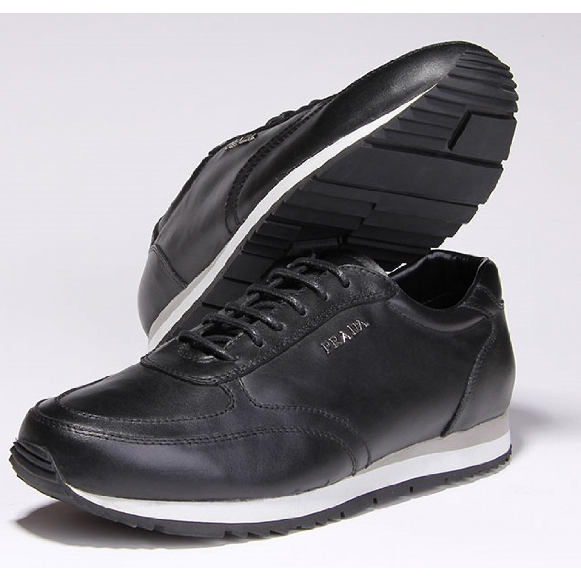 afc15e58c3b0 Купить удобные кожаные кроссовки Prada — в Киеве, код товара 15379
