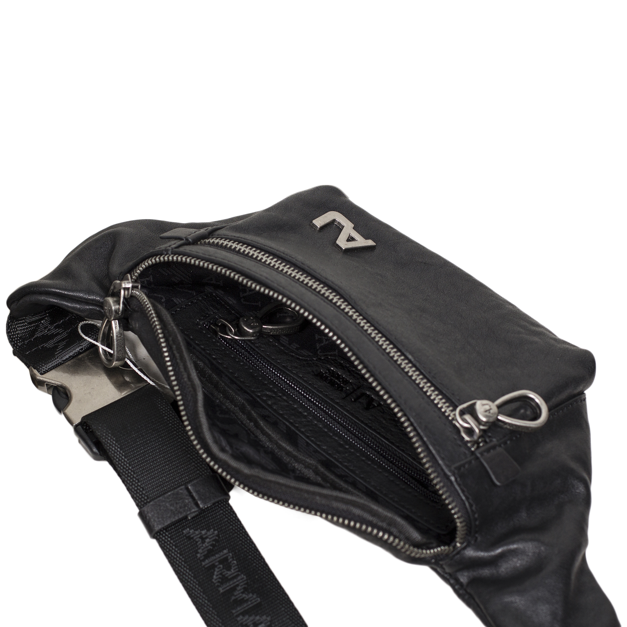a5a7199138a8 Кожаная бананка от Armani Jeans: купить мужские сумки в интернет ...